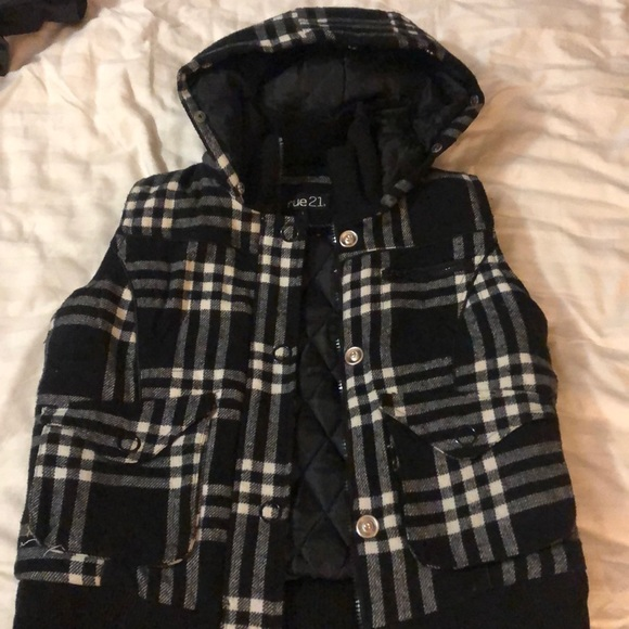 Rue21 Jackets & Blazers - Plaid vest with hood, Rue 21, large